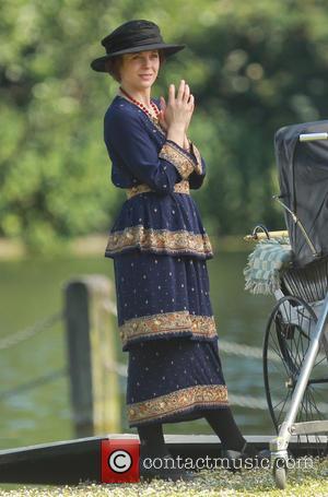 Amanda Abbington - Amanda Abbington and Lauren Crace film a scene for Mr Selfridge in a London park - London,...