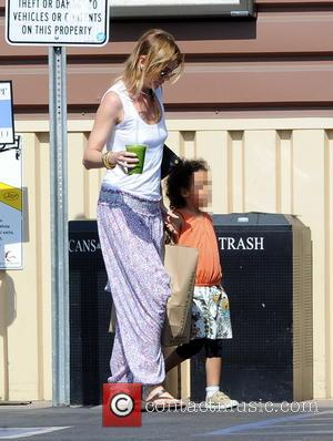 Ellen Pompeo and Stella Pompeo Ivery - Grey's Anatomy star Ellen Pompeo grocery shops at Lassen's Natural Foods & Vitamins...