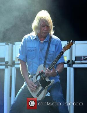 Status Quo Axe European Tour Dates After Guitarist Rick Parfitt Is Taken To Hospital