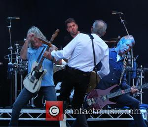 Status Quo Cancels European Tour as Rick Parfitt is Hospitalised