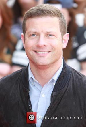 Dermot O'Leary - Dermot O'Leary arrives at Old Trafford stadium for 'The X Factor' Manchester auditions - Manchester, United Kingdom...