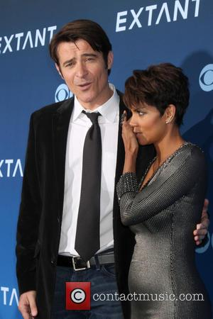 Goran Visnjic and Halle Berry