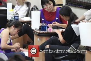 Kim Kardashian - Kim Kardashian at a nail salon on Bedford Drive in Beverly Hills - Los Angeles, California, United...