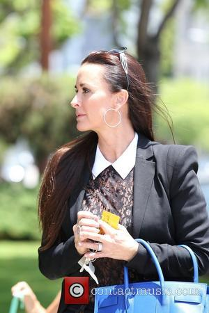 Kyle Richards - Kyle Richards filming The Real Housewives of Beverly Hills with her daughter Portia Umansky - Los Angeles,...