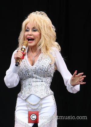 Dolly Parton & NBC's 'Coat Of Many Colors' Movie Will Have Strong Anti-Bullying Message