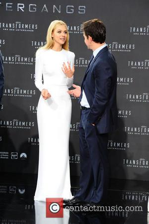 Nicola Peltz and Mark Wahlberg
