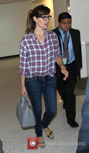 Jennifer Garner And Ben Affleck Celebrate Wedding Anniversary In Detroit