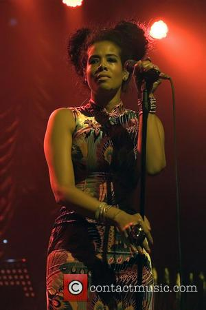 Kelis Late For Gig After House Drama