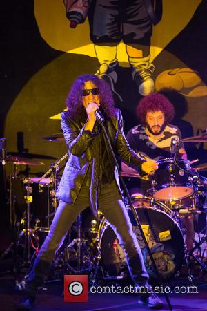 Extreme, Gary Cherone and Kevin Figueiredo