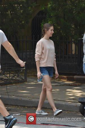 Jason Sudeikis and Alison Brie - 'Sleeping with Other People' filming in Manhattan - Manhattan, New York, United States -...