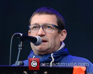 Paul Heaton - David Gray and The Beautiful South's Paul Heaton & Jacqui Abbott perform at The Groove Festival at...