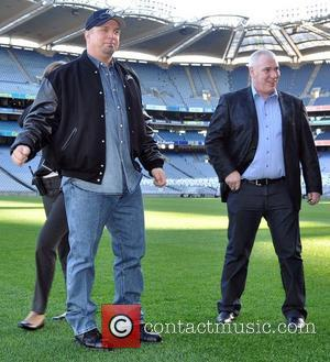 Garth Brooks and Concert Promoter Peter Aiken