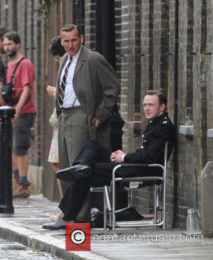 Christopher Eccleston - Christopher Eccleston, Tom Hardy and David Thewlis filming on the set of 'Legend' in London - London,...