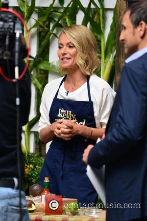Kelly Ripa and Michael Strahan - Kelly Ripa and Michael Strahan filming 'Live! with Kelly and Michael' - New York...