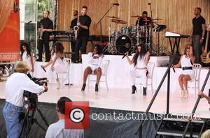 Normani Hamilton, Lauren Jauregui, Ally Brooke, Camila Cabello, Dinah Jane Hansen and Fifth Harmony