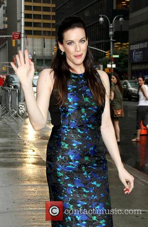 Liv Tyler - Celebrities arriving at the Ed Sullivan Theater for the 'Late Show with David Letterman' - New York,...