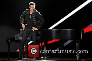 Lionel Richie - Lionel Richie performing live in concert at West Palm Beach - West Palm Beach, Florida, United States...