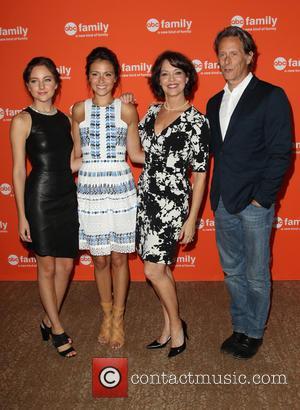 Haley Ramm, Italia Ricci, Mary Page Keller and Steven Weber