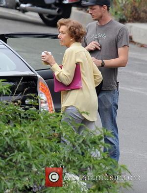 Katie Holmes, Ryan Reynolds And Helen Mirren Filming 'Woman In Gold' [Pictures]