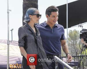 Nicole Richie and Mario Lopez - Nicole Richie appears on Extra hosted by Mario Lopez - Universal City, California, United...