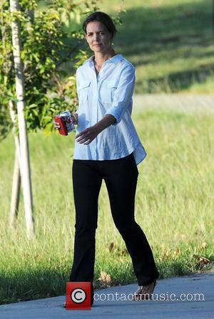 Katie Holmes - Katie Holmes on the set of her upcoming movie 'Woman In Gold' - Encino, California, United States...