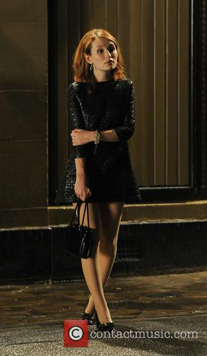 Emily Browning - Tom Hardy and Emily Browning on set of their new film 'Legend' - London, United Kingdom -...