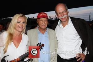 Niki Lauda, Dieter Zetsche and Artist Violonist
