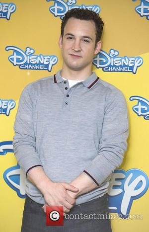 Ben Savage - 'Riley Y El Mundo' (Girl Meets World)...