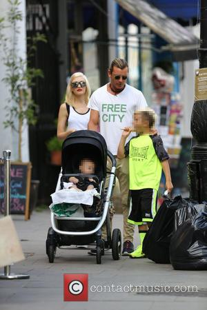 Gwen Stefani, Gavin Rossdale, Apollo Rossdale and Kingston Rossdale - Gwen Stefani and husband, Gavin Rossdale out with their children...