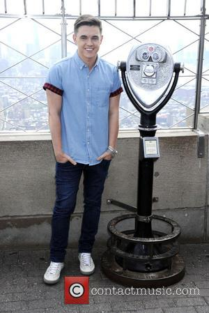 Jesse McCartney - Jesse McCartney visits the Empire State Building to celebrate the release of his new album 'In Technicolor'...