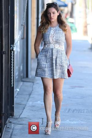 Kelly Brook - Kelly Brook and  boyfriend David McIntosh pick up green juice at Pressed Juicery and shop at...