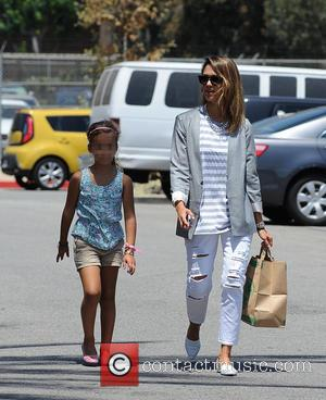 Jessica Alba and Honor Warren - Jessica Alba spotted at Mrs. Winston's Green Grocery with her daughter, Honor Warren -...