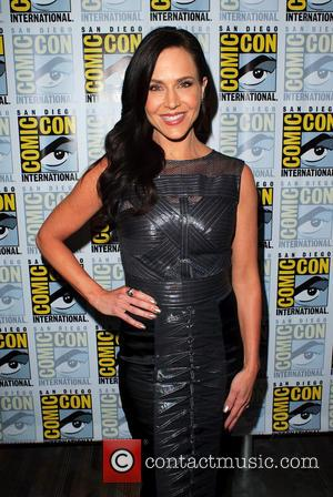 Julie Benz - Cast members from 'Defiance' make an appearance in the press room at San Diego Comic Con 2014...