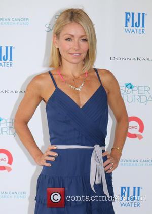 Kelly Ripa - OCRF's 17th Annual Super Saturday hosted By Kelly Ripa And Donna Karan - Water Mill, New York,...