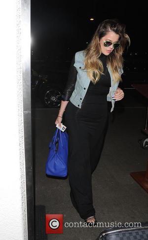 Khloe Kardashian - Khloe Kardashian  at Los Angeles International Airport (LAX) - Los Angeles, California, United States - Monday...