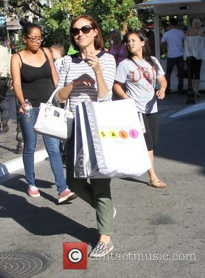 Molly Shannon - Molly Shannon goes shopping at the Grove in Hollywood - Los Angeles, California, United States - Thursday...