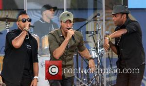 Enrique Iglesias and Sean Paul - Good Morning America Summer Concert Series - New York, United States - Saturday 2nd...