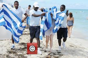 Chloe Grace Moretz - Chloe Grace Moretz spends the day on Miami Beach - Miami Beach, Florida, United States -...
