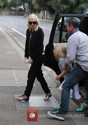 Gwen Stefani and Zuma Rossdale - Gwen Stefani and her family enjoy dinner at Feng Shang Princess, a floating chinese...