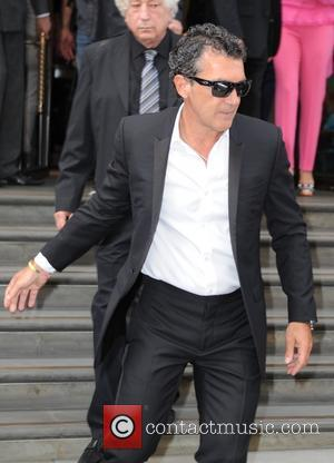 Antonio Banderas - The Expendables 3 cast leaviing their London hotel - London, United Kingdom - Monday 4th August 2014
