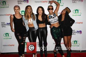 Simone Battle, Lauren Bennett, Emmalyn Estrada, Natasha Slayton, Paula Van Oppen and G.r.l