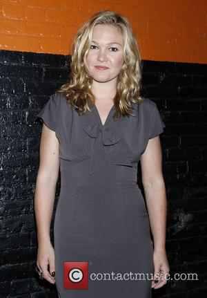 Julia Stiles Off-broadway Play Slammed By Critics