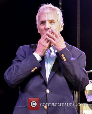 Burt Bacharach And Charli Xcx To Be Honoured At Cancer Charity Event