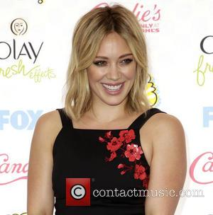 Hillary Duff Calls In Fbi Over Faked Nude Photos