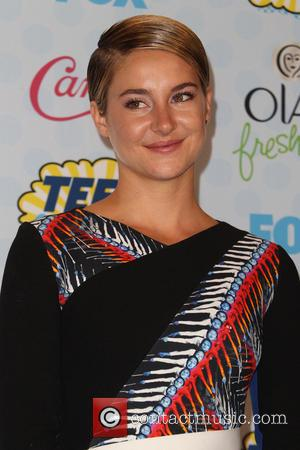 Shailene Woodley - Celebrities attend FOX's 2014 Teen Choice Awards - Press Room at The Shrine Auditorium - Los Angeles,...