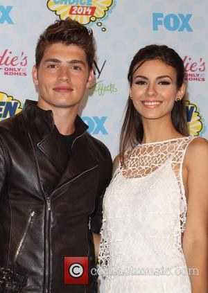 Victoria Justice and Gregg Sulkin - Celebrities attend FOX's 2014 Teen Choice Awards - Press Room at The Shrine Auditorium...