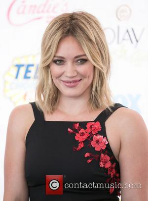 Hilary Duff Informs FBI Naked Photographs Are Fakes