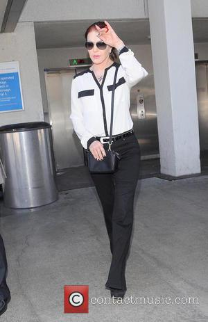 Priscilla Presley - Priscilla Presley arrives at Los Angeles International Airport (LAX) - LOS ANGELES, California, United States - Saturday...