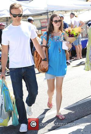 Summer Glau - Summer Glau spends a sunny summers day at the Farmers Market with her boyfriend - Los Angeles,...