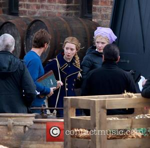 Mia Wasikowska, Lindsay Duncan and Ed Speleers - 'Through the Looking Glass' being filmed at Gloucester Docks - Gloucester, United...